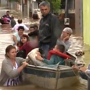 Temporal em Santa catarina deixa mortos, desaparecidos e desabrigados